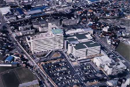 富山県立中央病院     width=